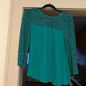 Anthropologie Green Top with Lace Sleeves, Size 6